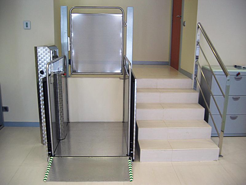 Instalaciones plataforma salvaescaleras vertical silver for Salvaescaleras vertical
